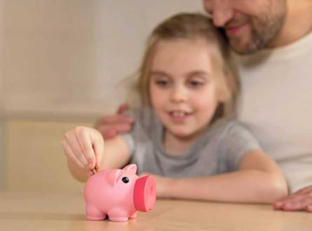 Teaching Your Kids How to Save in the Age of Online Banking